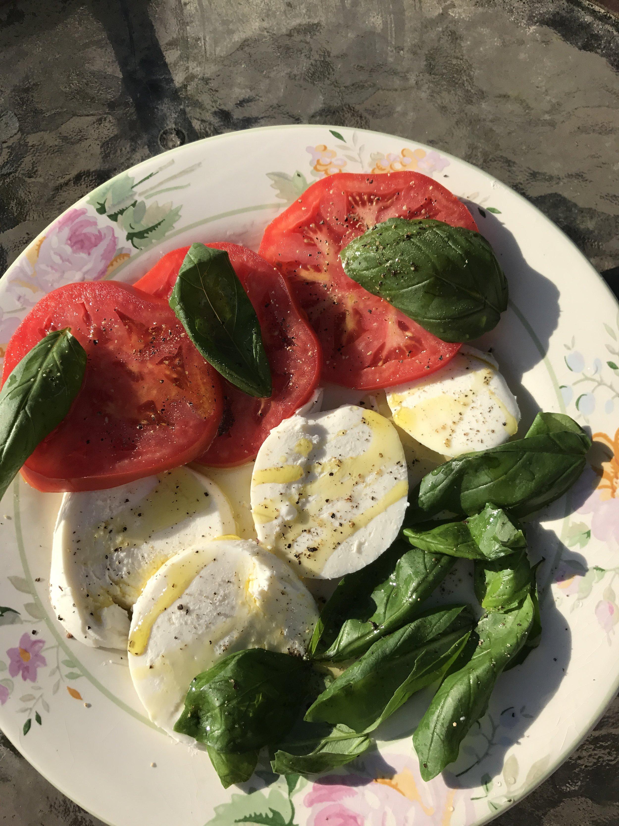caprese-salad-slicetomatos-slicedmozzarella-freshbasil-now-drizzleoveryourfavoriteevoofromolivinsandagedbalsamicreductionbilllikesevoofromspainandrosieparksbalsamic.JPG