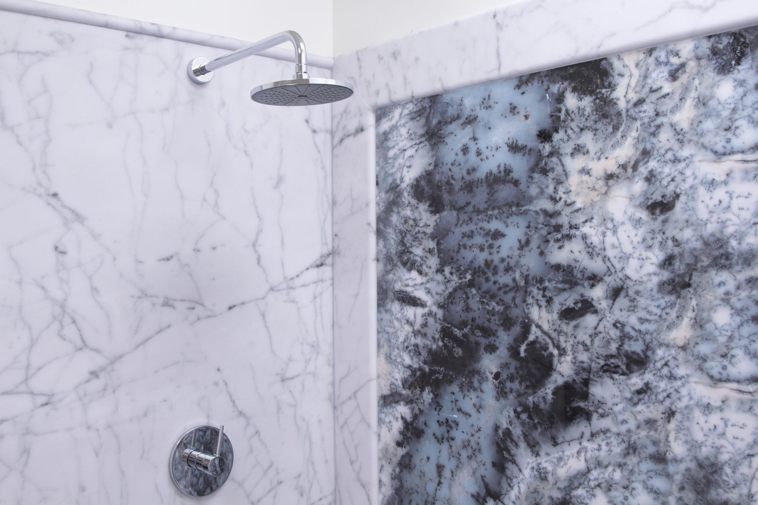 Bianco Carrara Display_H_2.jpg