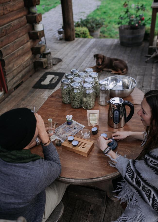 JENNIFER-SKOG-cannabis-farm-lifestyle_0379.jpg