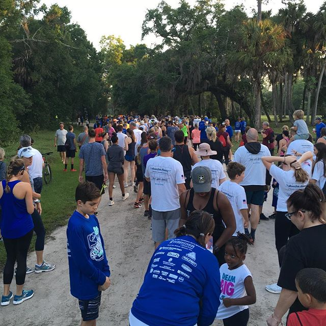 We had a great turnout for the Sari Center 5k run/walk this morning, raising money to provide holistic treatments to cancer patients in our community. #saricenter #moveyourbody #walkingismyspeed #holisticcancercare