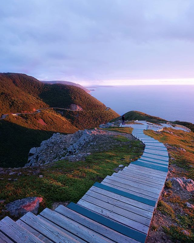 Crazy sunset at the Skyline Trail in Cape Breton National Park, Nova Scotia. 🌅 . . . . .  _______________________________________________________________ #artofvisuals #fatalframes #ExploreCanada #way2ill #agameoftones #illgrammers  #instagood #eclectic_shotz #heatercentral #freezfram #yngkillers #jaw_dropping_shots #mountainstones #discoverearth #theimaged #weekly_feature #sonyalpha #creativeoptic #ig_masterpiece #loaded_lenses  #moodygrams #shotzdelight  #visualambassadors  #gramslayers #breakthroughphotographyfilters  #natgeo #voyageursdumonde #beautifuldestinations #stayandwander