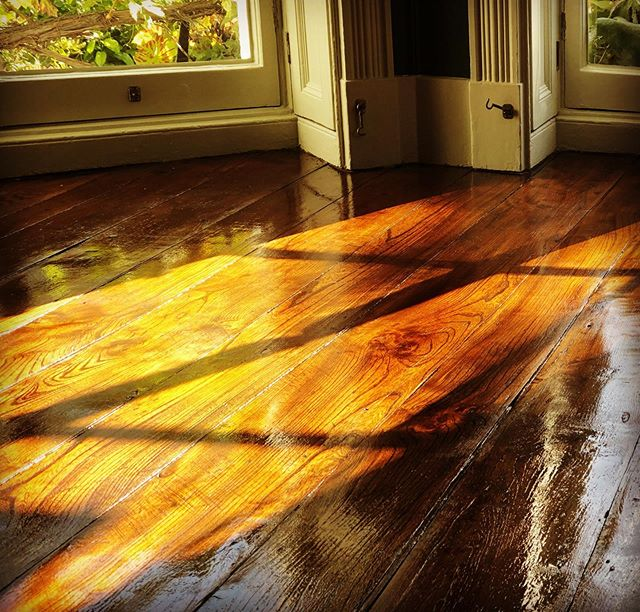 Glaze of glory! We've enjoyed every stage of this oak floor restoration. The final glaze has now been applied to finish off our Friday in style. Time for a beer.. #restoration #oak #decorators #cheltenham #woodenfloors #friday #cotswolds #hometime