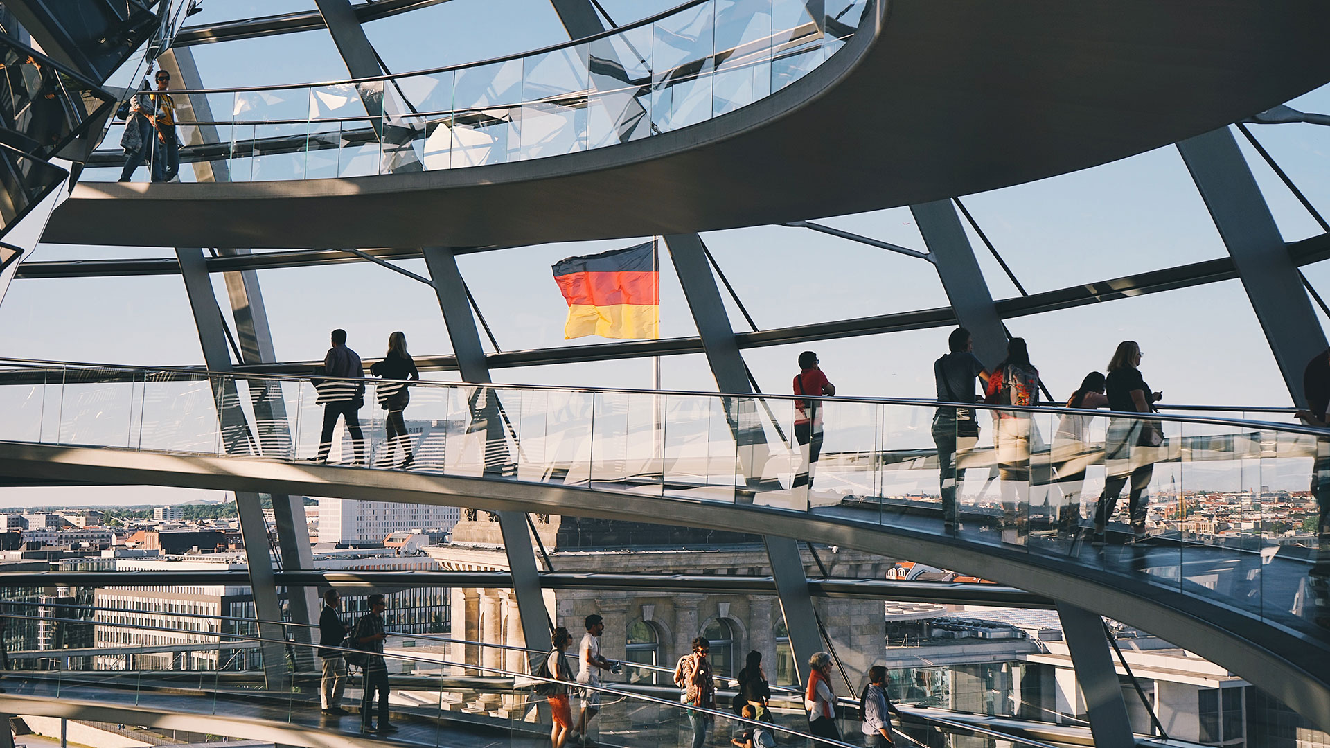 The dome of the Reichstag Building in Berlin (AC Almelor, Unsplash)