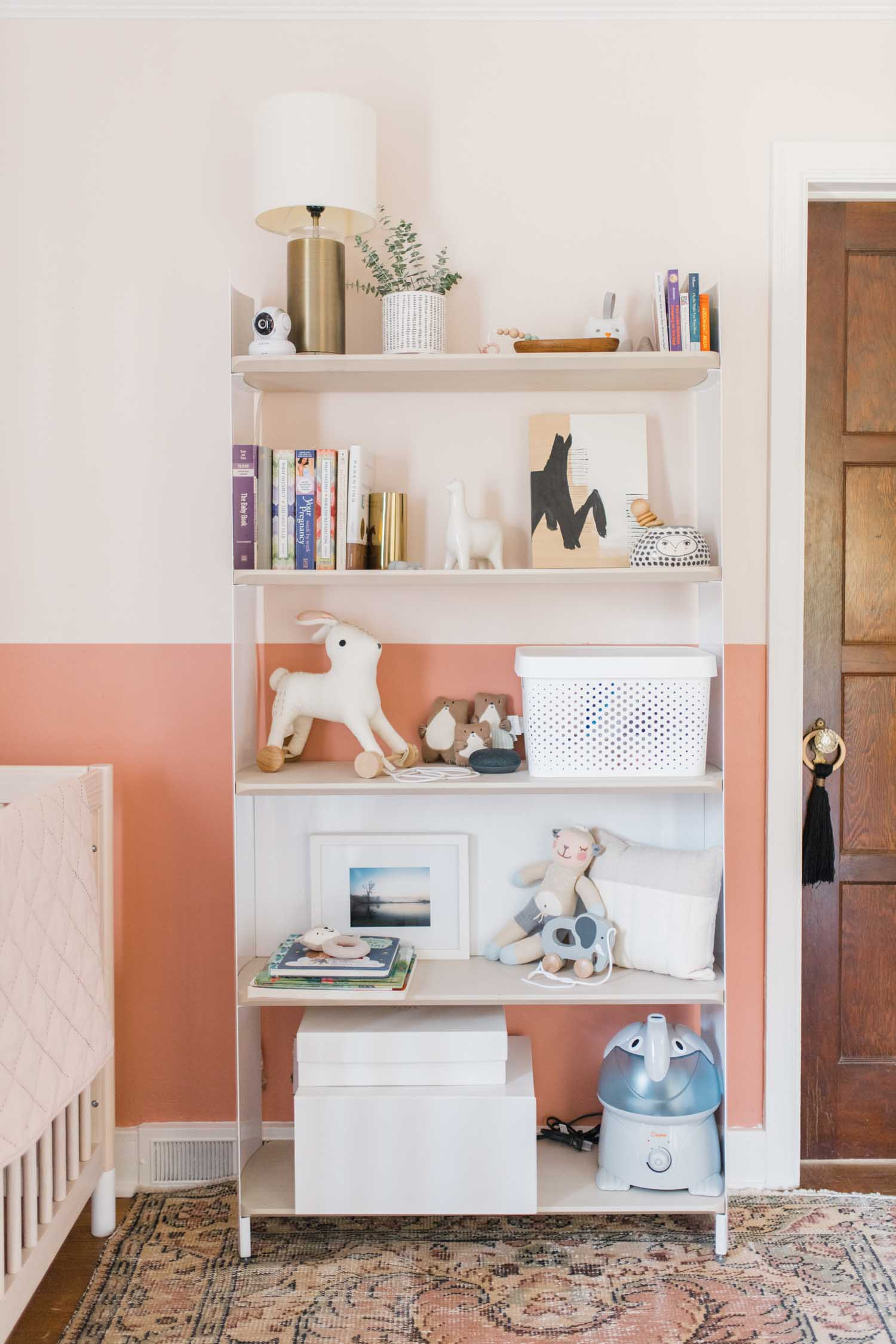 We don't have a theme really in here but lots of cute toys and some of the decor is of animals so it's fun to have that running through.