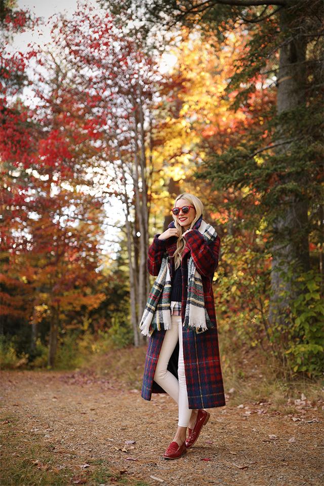03_plaid-outfit-fall-foliage.jpg