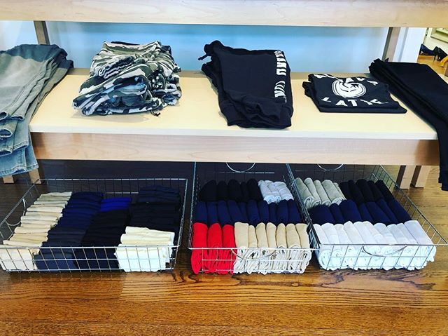 Got a little carried away a couple of weeks ago at my job @theredtoadboutique folding the camis and tanks using the #konmarifolding method! 😀