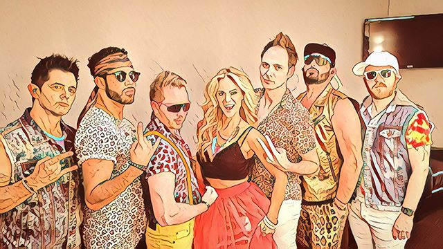 80's show in New Mexico with @thepartycrashersband 📷: @trueaudiovisualdesign