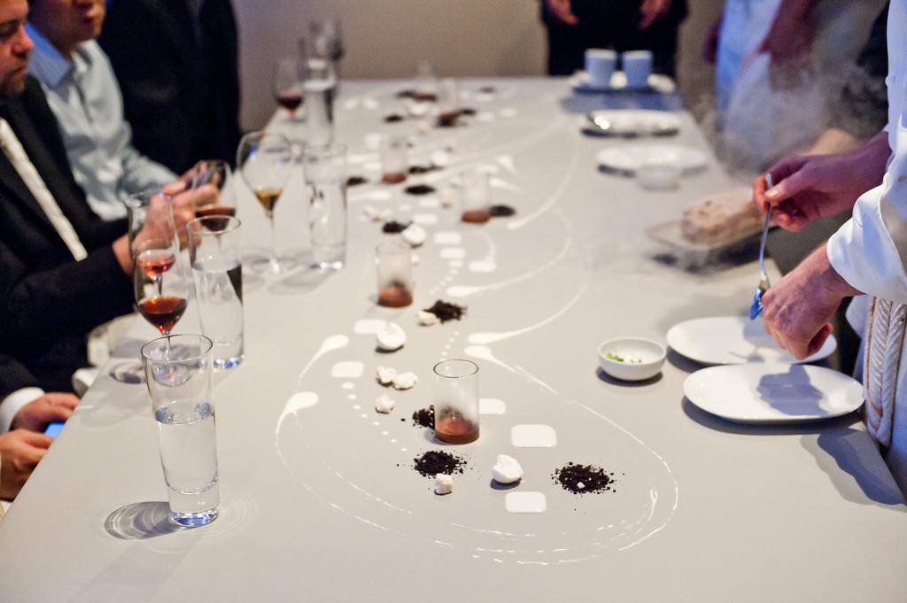 9-COURSE CHEF'S WINE&DINE DINNER -
