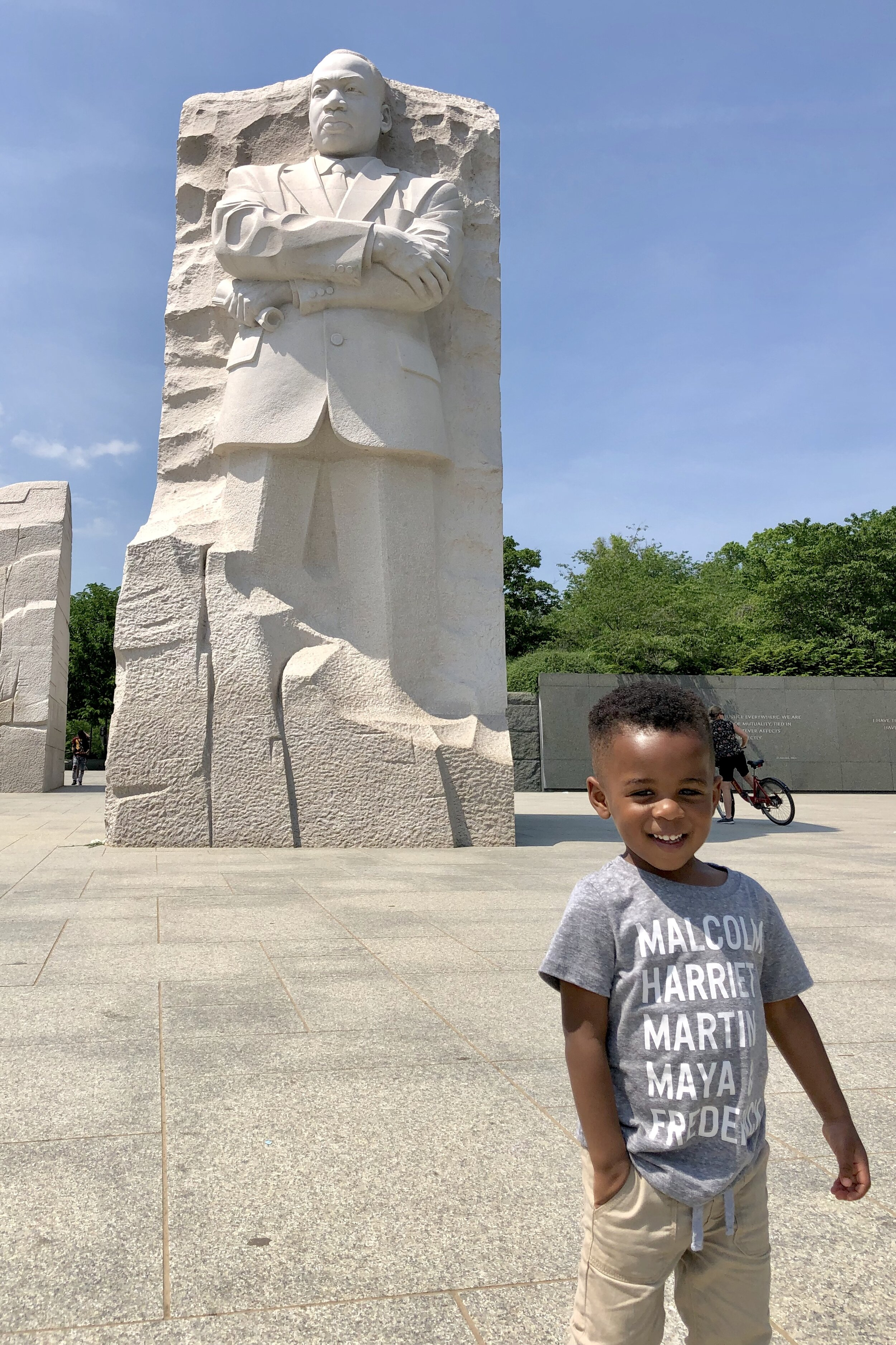 Maxwell at the MLK Memorial in DC