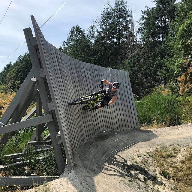 Trying out some wall rides to keep up to @johnbutlernz!  #canada #wallride #hartland #mtblife #alittlesideways