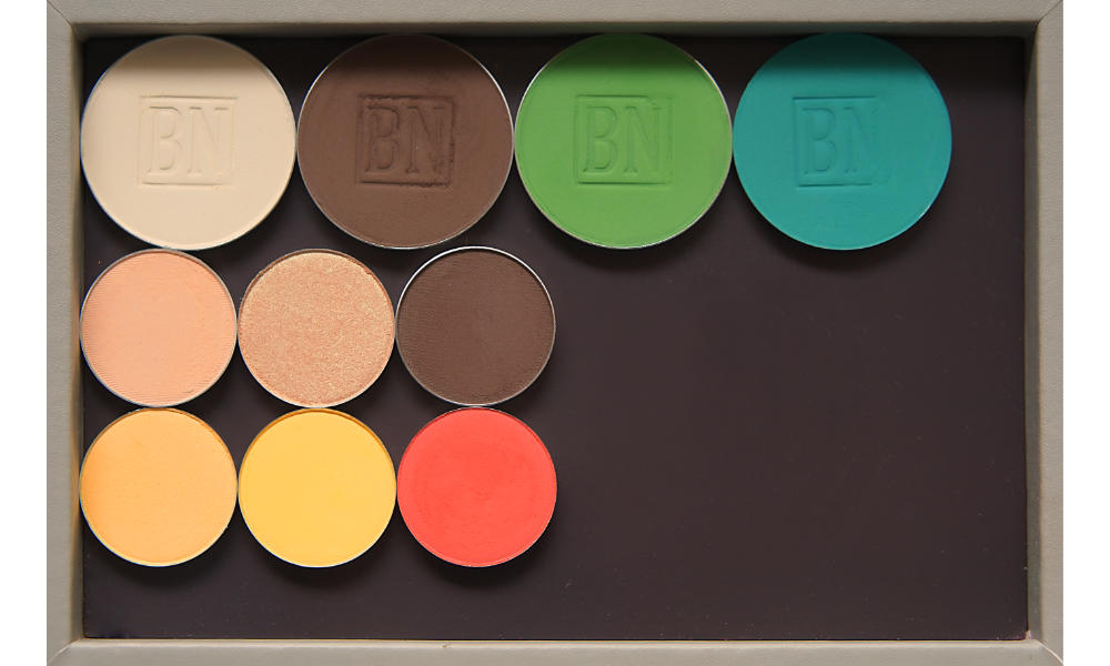 Freestyle palette from Salt New York in  French Grey , also available in  Black   Top row:  Toast ,  Dark Brown ,  Green Leaf ,  Turquoise   Middle row:  Peach Smoothie ,  Play By Play ,  Dark Brown   Bottom row:  Tiki ,  Take Flight ,  Meteorite