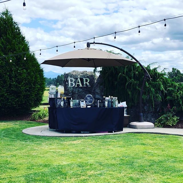 First time at @mountainviewmanor for Simone & Jared's big day! 💒 #viewfromthebar #onceuponathompson #weddingbar