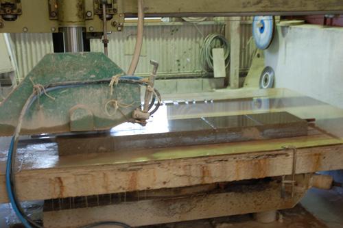 ⑤シラス平板ブロックの切断加工