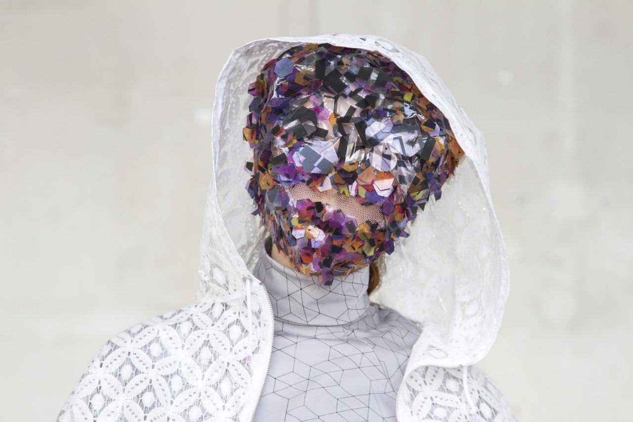 Design: Maarten van Mulken   Understand why people wear what they wear and the effects their clothes have upon others, on their own thoughts, actions and emotions, and on the world.
