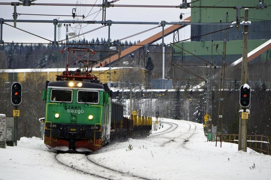 ruotsi-green_cargo_train_outside_grangesberg_2012.jpg