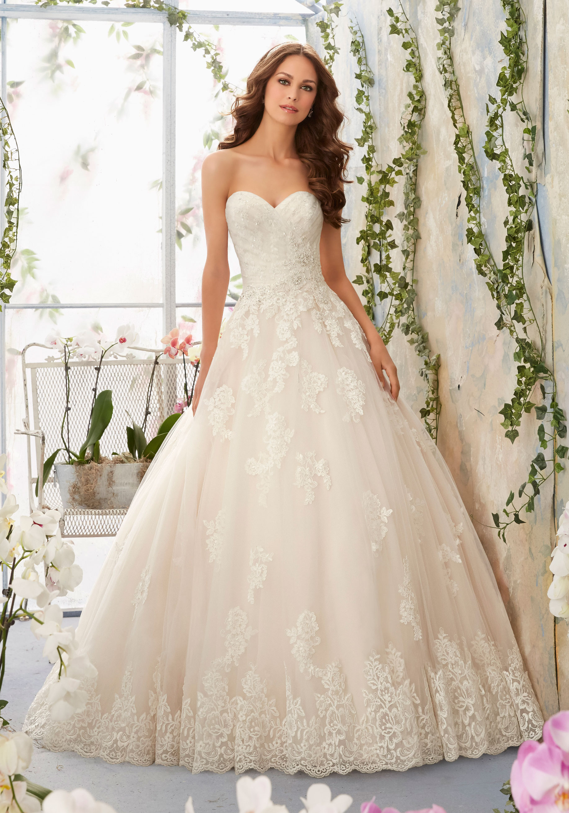 Ballgown / Princess Wedding Dress with a Sweetheart Neckline