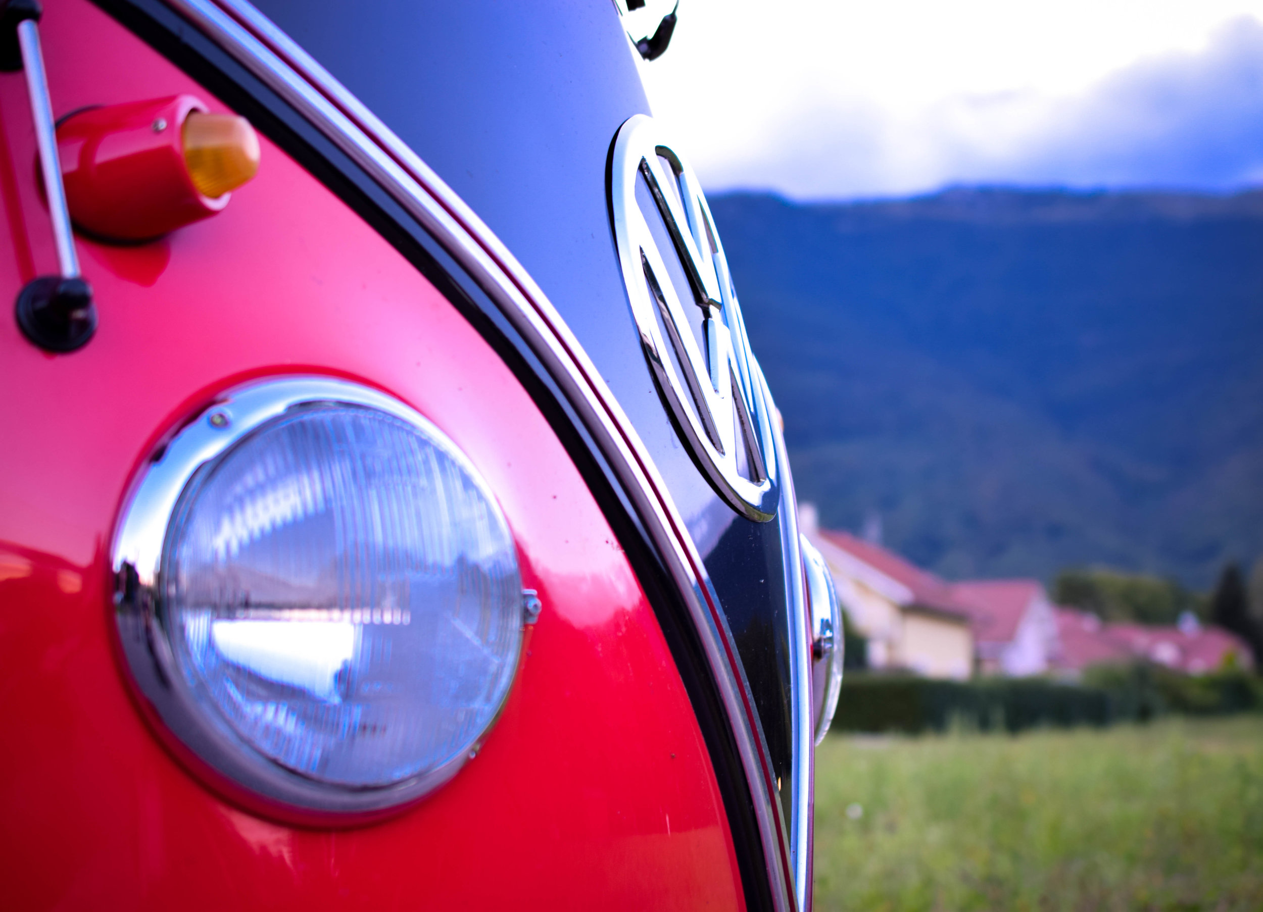 A new concept - Feel Good Vibes brings you back in time with a rental service for tourism or special events inside an old school van VW coming straight from the sixties.