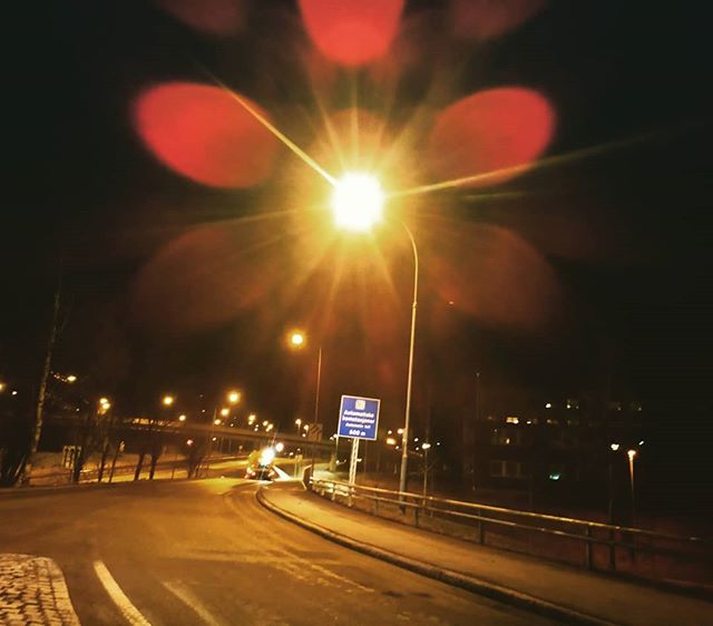 Gatelys etter vårrengjøring. =) #smestad #oslo #storo #vk #gaustad #vegvesen #night
