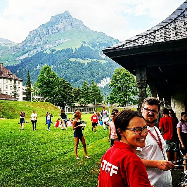 C A M P // Coming to @engelberg.titlis to learn a language with @alpadia_language_schools and having a #bbq in the alpine sun under the watchful eyes of #hahnen #mountain - #winning . #Language #summerschool #languagecamp #education #skills #summercamp #summer #engelbergtitlis #obwalden #nidwaldentourismus #inlovewithswitzerland #Engelberg  #luzern  #livinginluzern  #swissmountainair #switzerland_vacations  #Switzerland  #blickheimat  #traveldiaries #explore #wanderlust #adventure #feelthealps #huaweip20pro #irishabroad