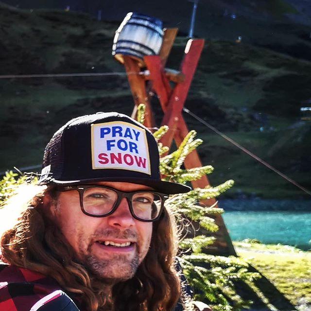 S N O W // The professor is wise... #prayforsnow.... . @dpsskis @quattrosportengelberg @verticalunit . #winteriscoming #winterishere #mydps #winter #freeride  #summer #storm #engelbergtitlis #obwalden #nidwaldentourismus #inlovewithswitzerland #dpsambassador #Engelberg  #luzern  #livinginluzern  #swissmountainair #switzerland_vacations  #Switzerland  #blickheimat  #offpiste #discover_hotels  #traveldiaries #explore #wanderlust #adventure #feelthealps #huaweip20pro #irishabroad