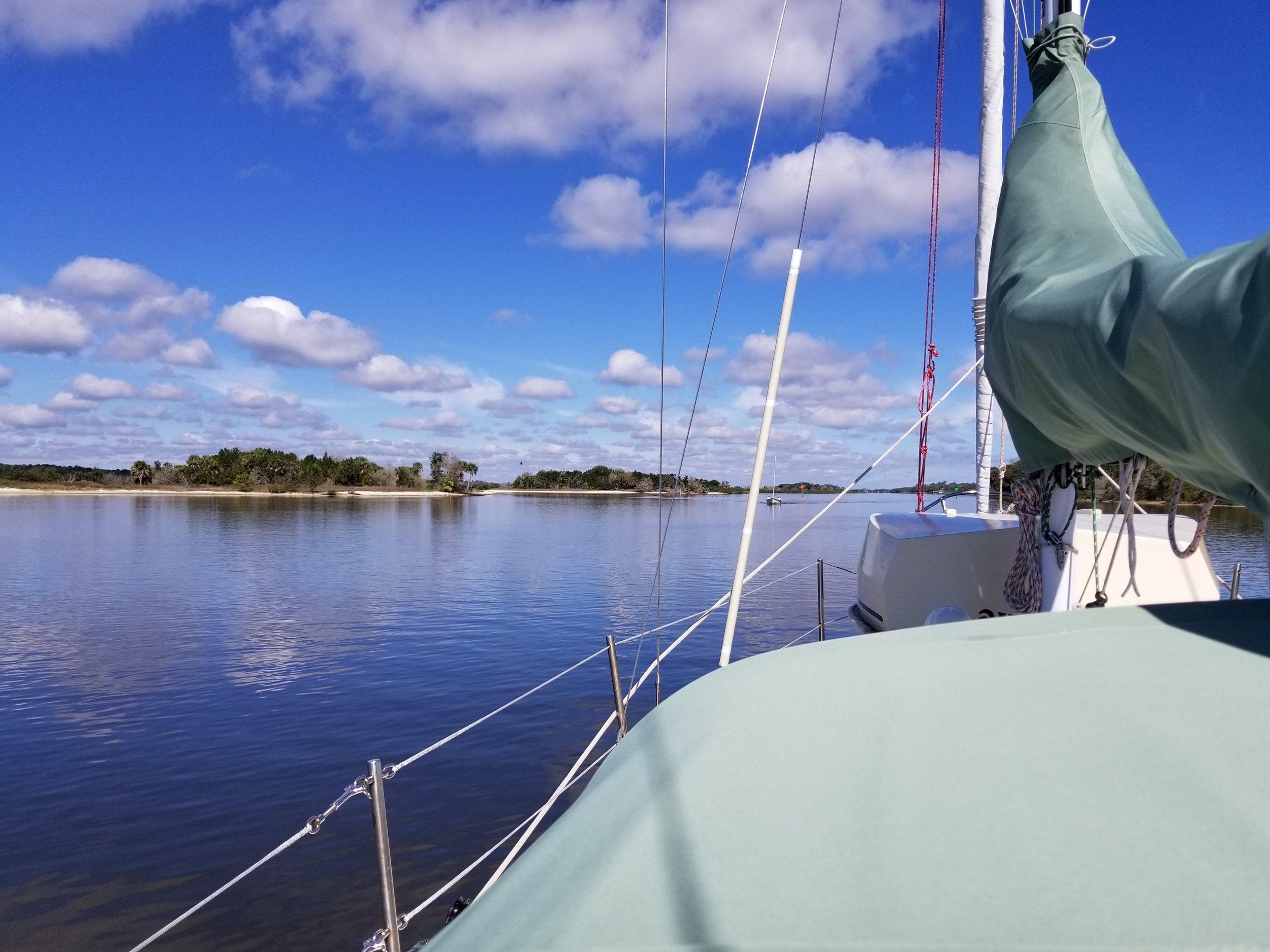 Motoring north on the Tomoka River.