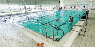 Keep cool in this hot town by visiting one of the many public swimming pools.