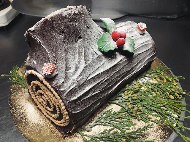 Happy holidays! #butterybakery