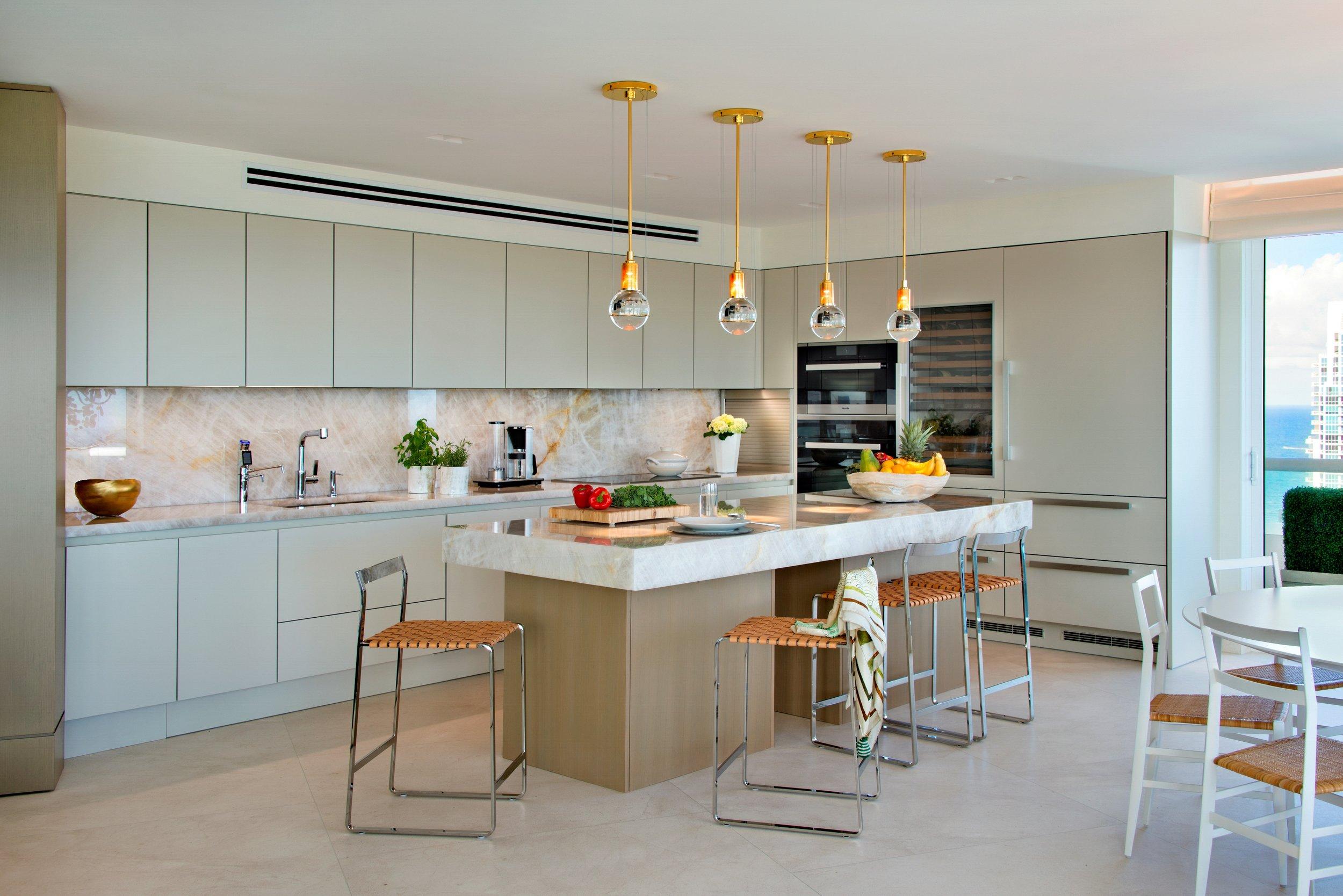 04-Kitchen.jpg