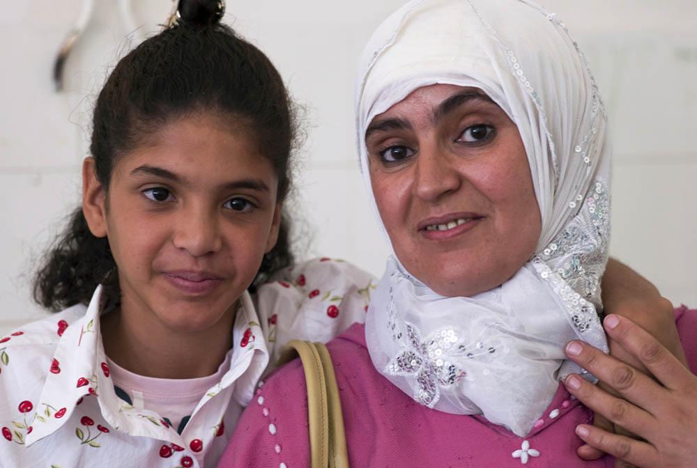 Mother-Daughter-ISMS-OPKIDS-MOROCCO-2008-STOLL.jpg