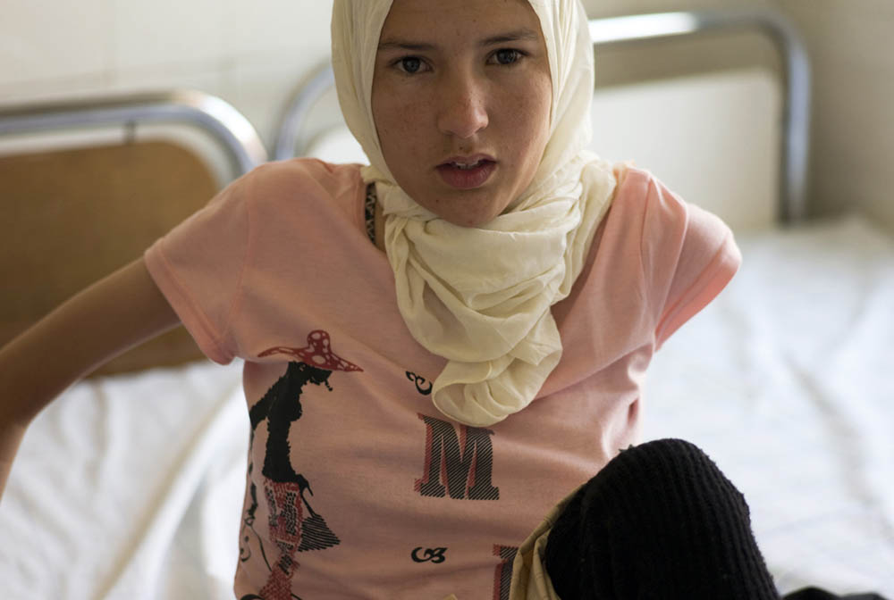 Spinal-Girl-ISMS-OPKIDS-MOROCCO-2008-STOLL.jpg