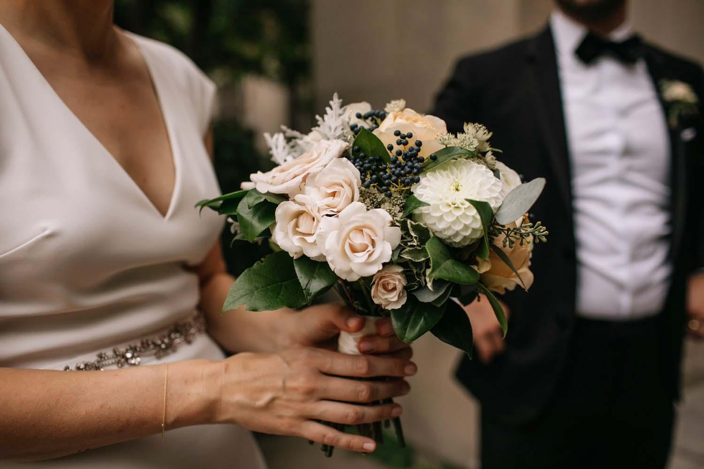 brides bouquet michigan league