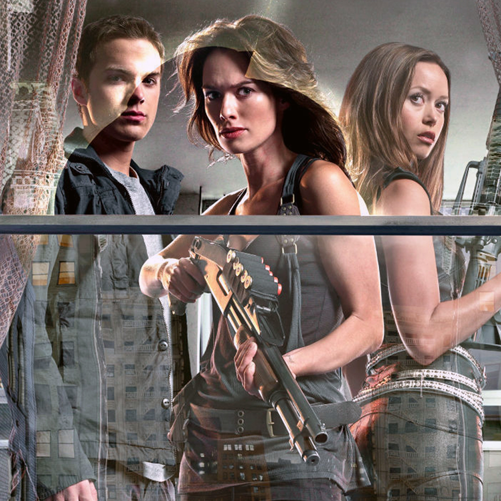 Terminator: The Sarah Connor Chronicles (Fox, 2008-2009) - I wrote extensively about this show in an earlier article last year, extolling the virtues of the short-lived series. Capturing the magic of the James Cameron films more than their later sequels ever did, The Sarah Connor Chronicles is grim and gritty sci-fi done right, with twists as dark as they were natural and surprising. Personally, my internal Terminator canon catalogs only the Cameron films and The Sarah Connor Chronicles, while disregarding all of the other lazy sequels. The show stars Lena Headey (Game of Thrones) as Sarah Connor, Thomas Dekker as John Connor, and Summer Glau of Firefly fame as their new mechanical protector. You can stream The Sarah Connor Chronicles on Sony Crackle for free.