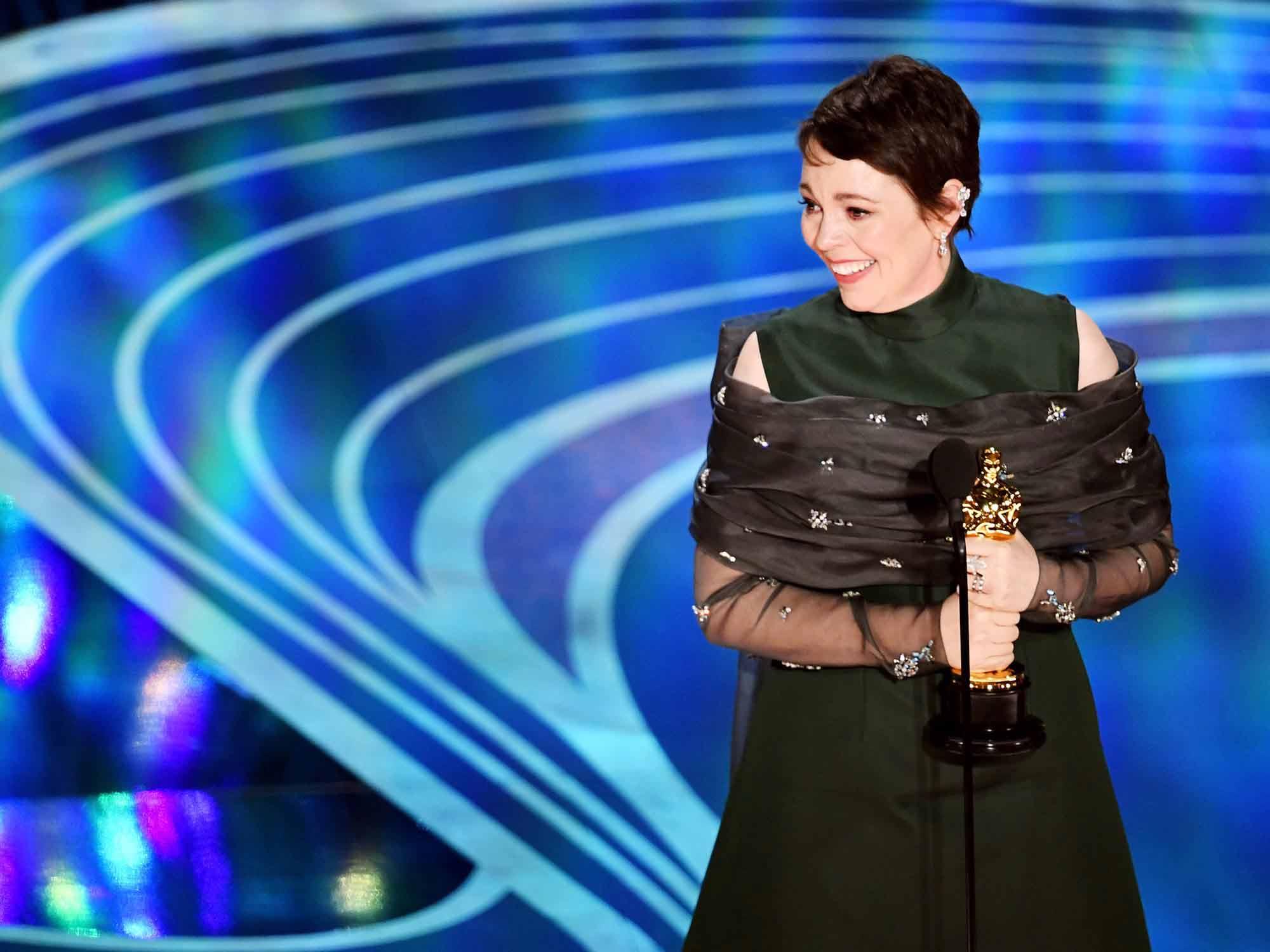 Olivia-Colman-Oscars.jpg