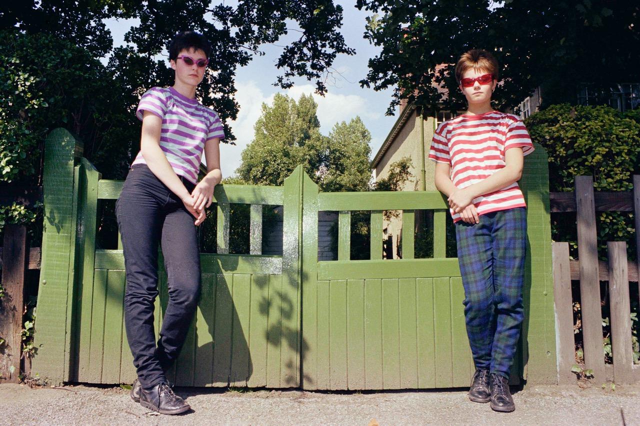 Helen-de-Jode-left-and-Emma-Hall-in-Finsbury-Park-London-in-August-1980.jpeg