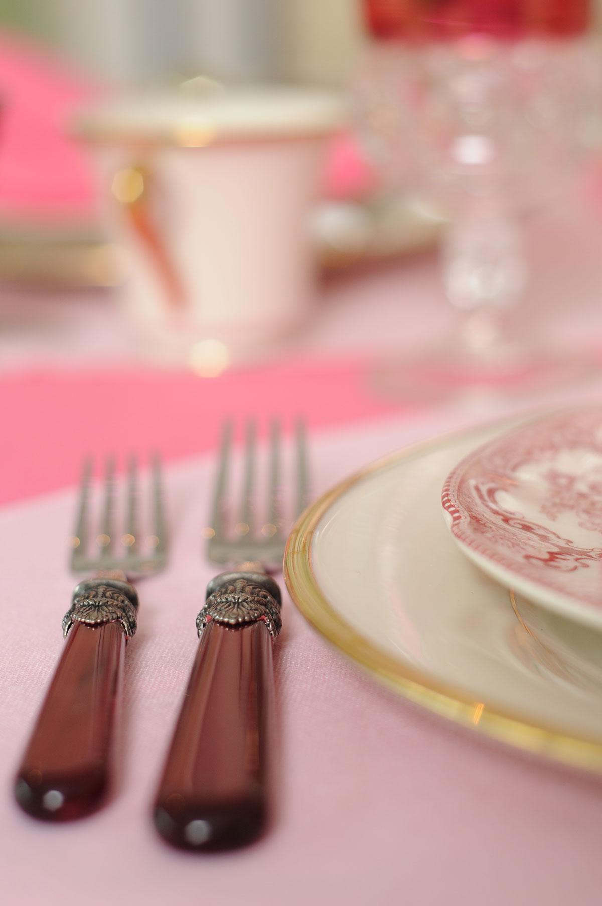 Ali Hedin | Modern Pink Christmas