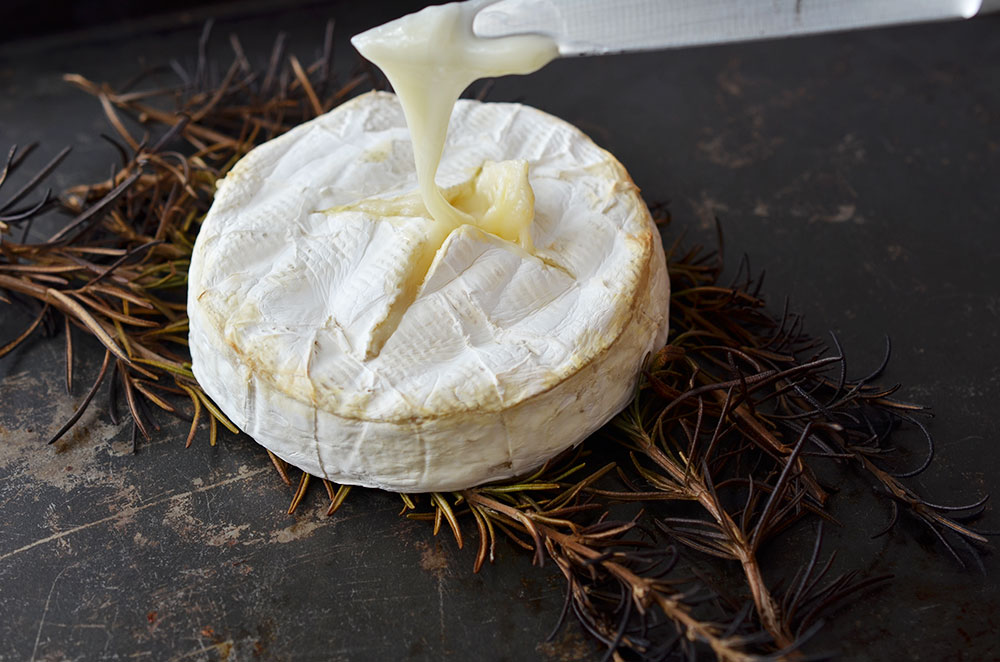 Hedin Simple Valentine Cocktail Party | Baked Camembert