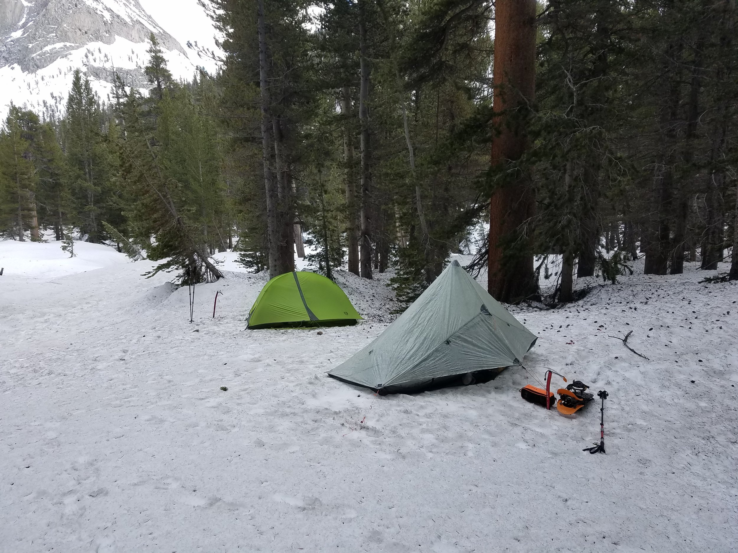 Camp for the warm(ish) night down from elevation.