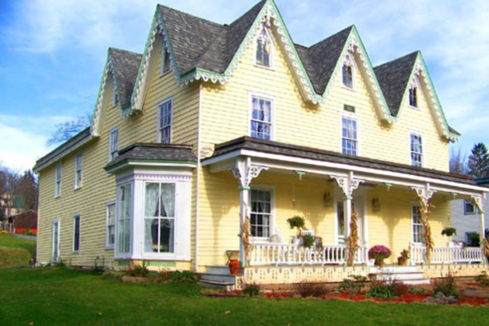 STAMFORD GABLES B&B  42 Main St Stamford, NY 12167 (607) 435-6917 jeankopp@verizon.net www.stamfordgables.com  Click  here  to book room.  Distance: 18.3 miles/20 minutes Capacity: 13 people