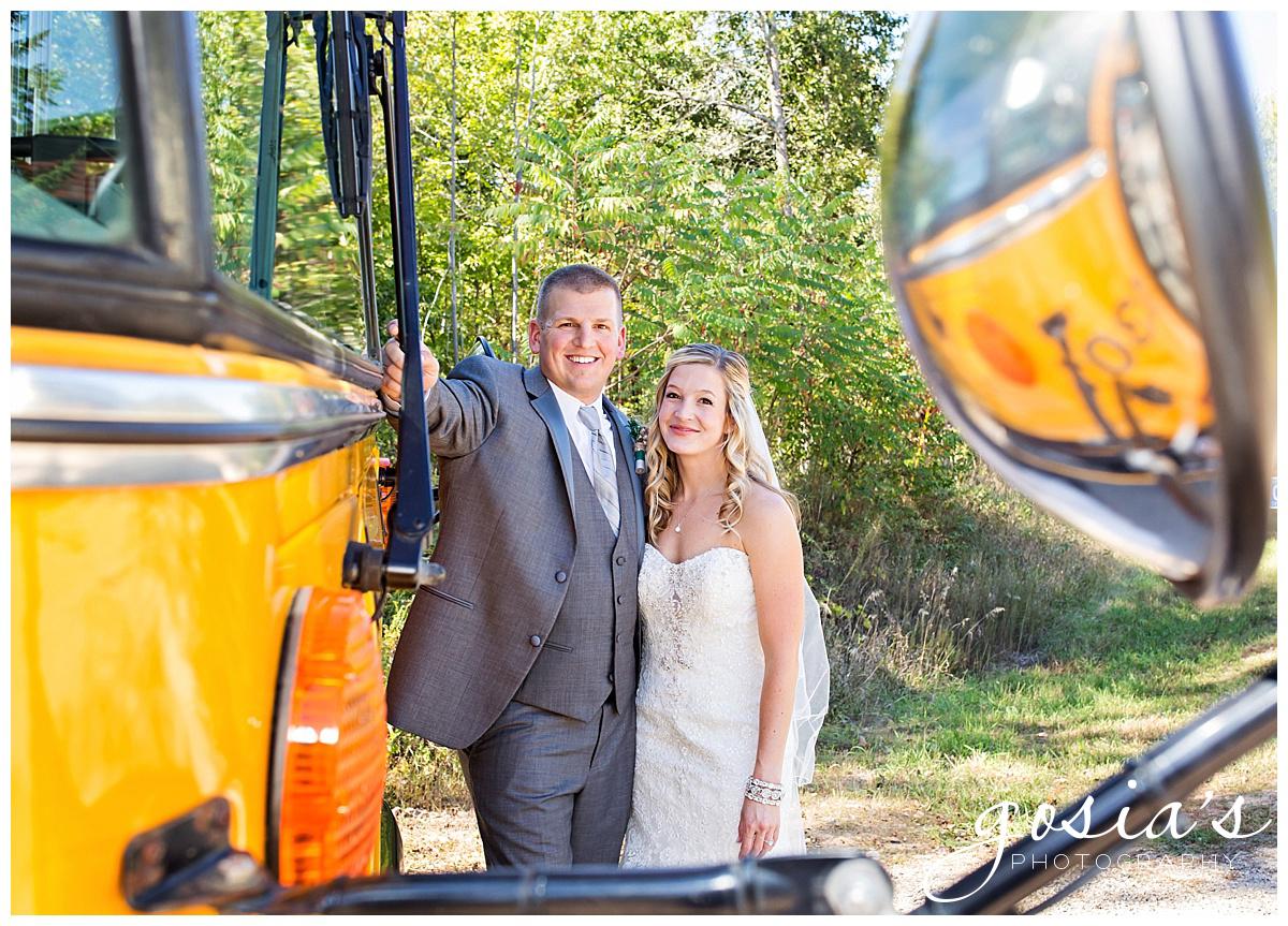 Gosias-Photography-Appleton-wedding-photographer-Clintonville-ceremony-reception-KI-Center-Green-Bay-_0018.jpg