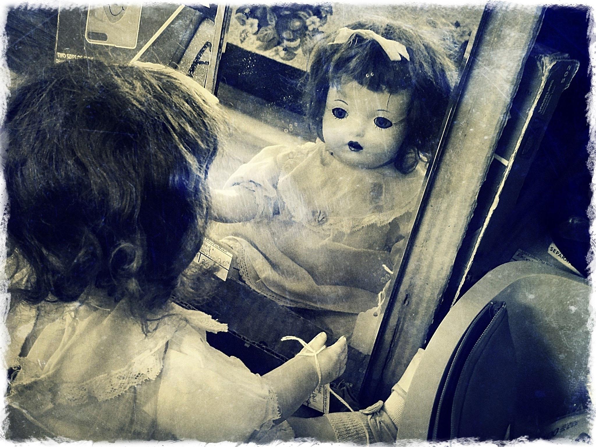 Melinda Isachsen JANIS Photography & Fine Art Dolls at the Flea Market