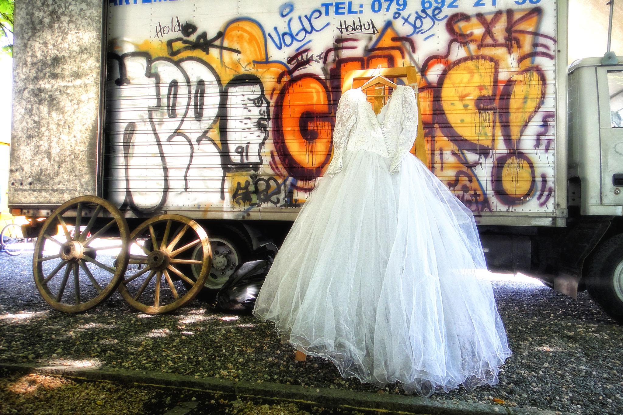 Melinda Isachsen JANIS Photography & Fine Art wedding dress grafitti flea market Geneva Switzerland