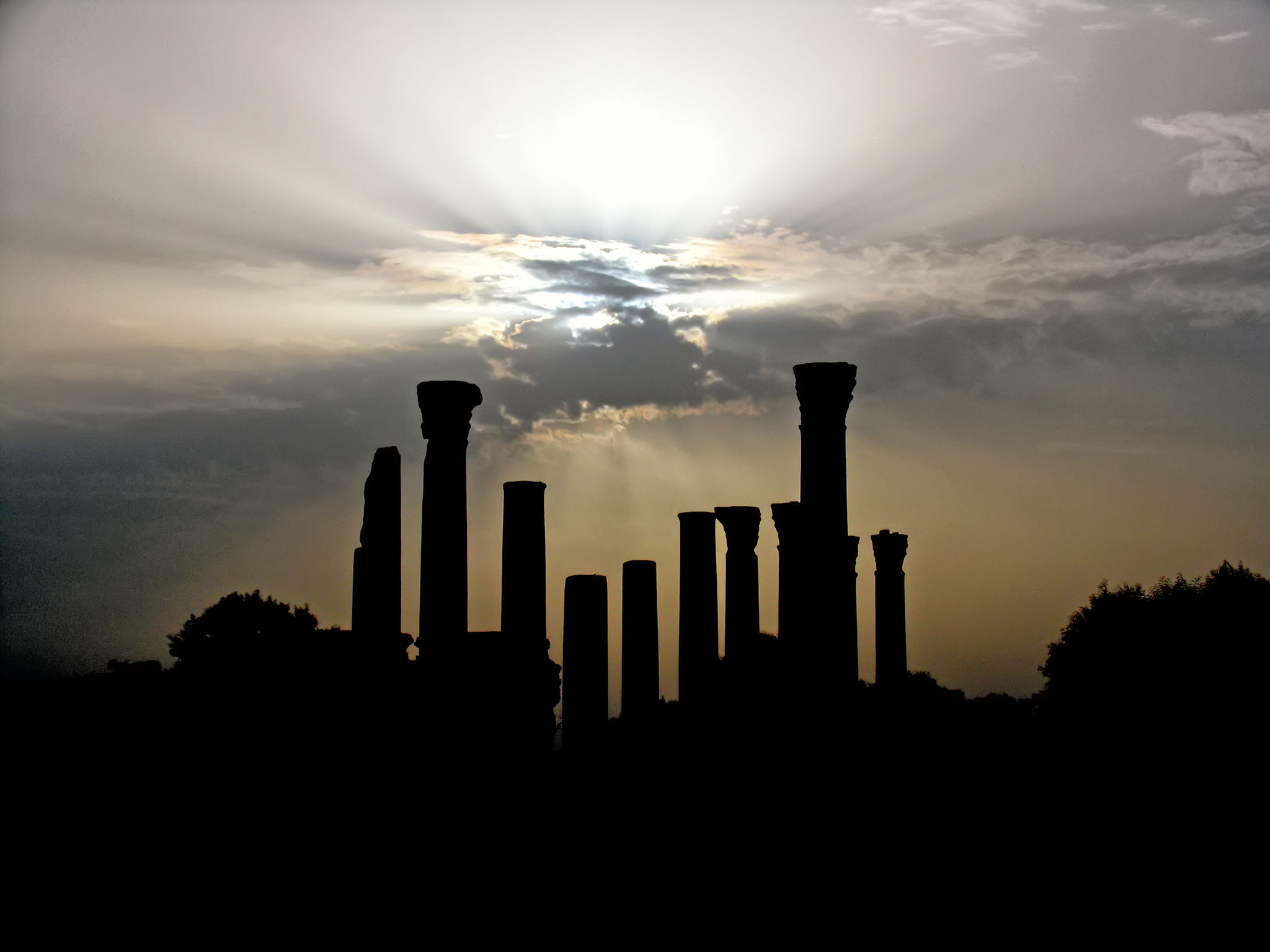 Melinda Isachsen JANIS Photography & Fine Art ancient columns Tunis Tunisia