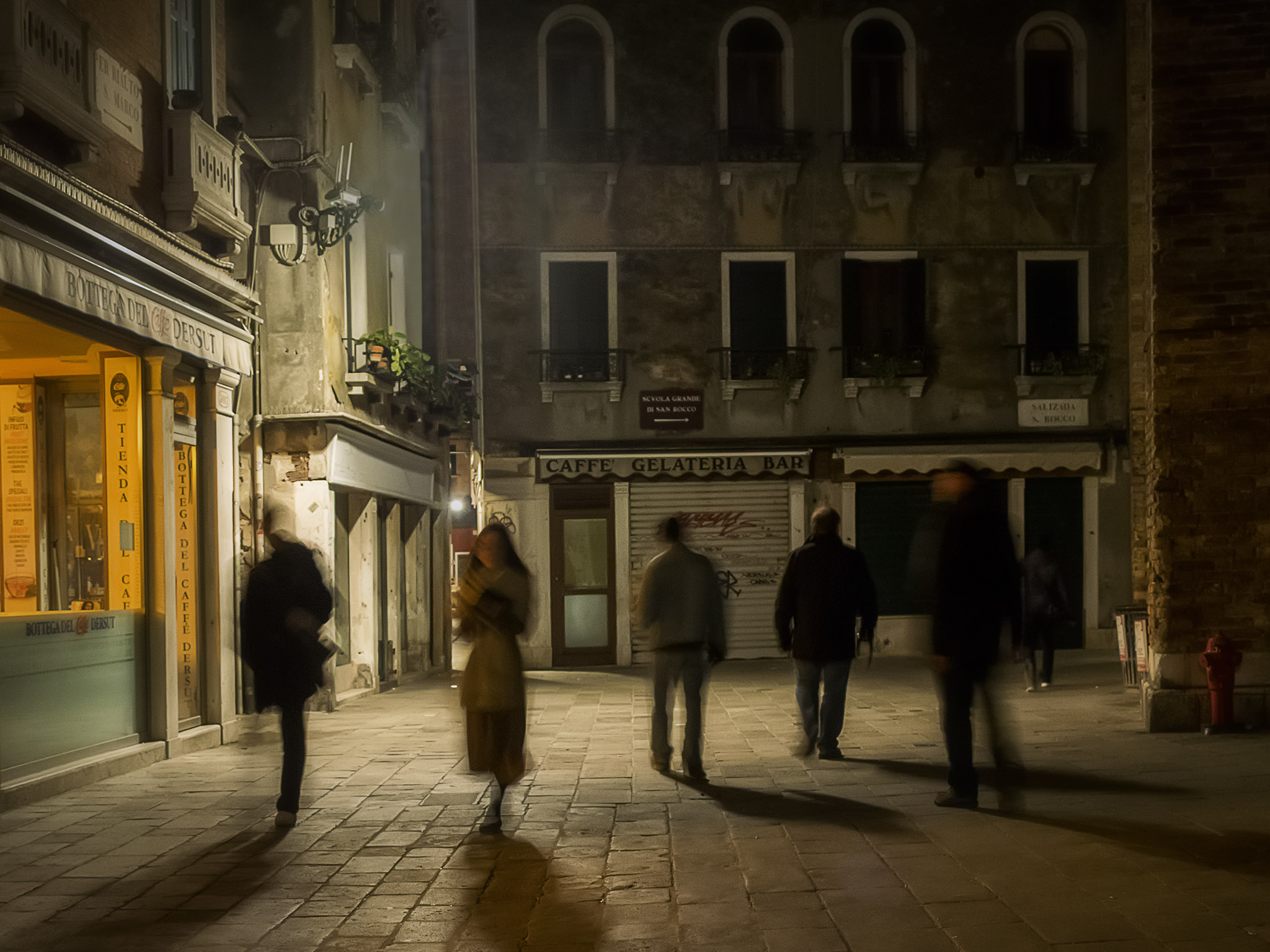 Melinda Isachsen JANIS Photography & Fine Art evening stroll Venice Italy