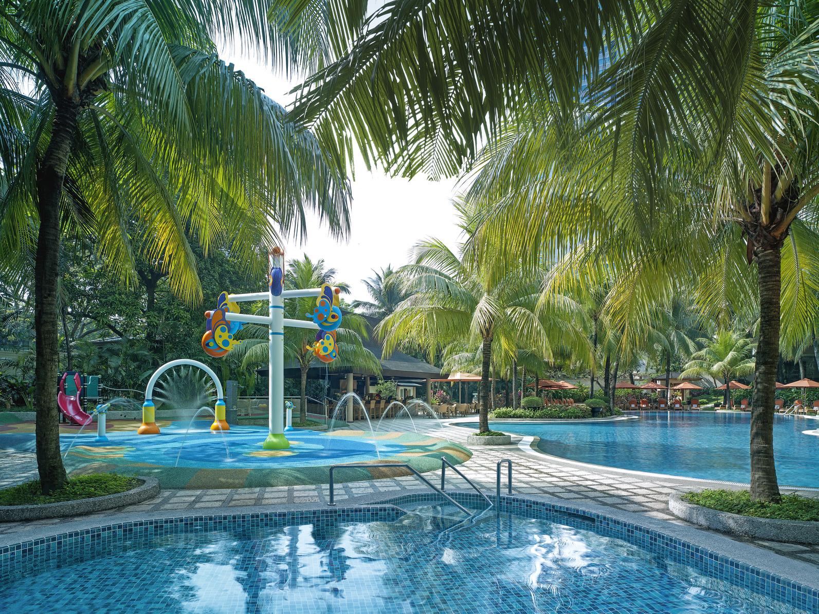 Edsa-Shangri-La-Manila-Poolside-Aqua-Play.jpg