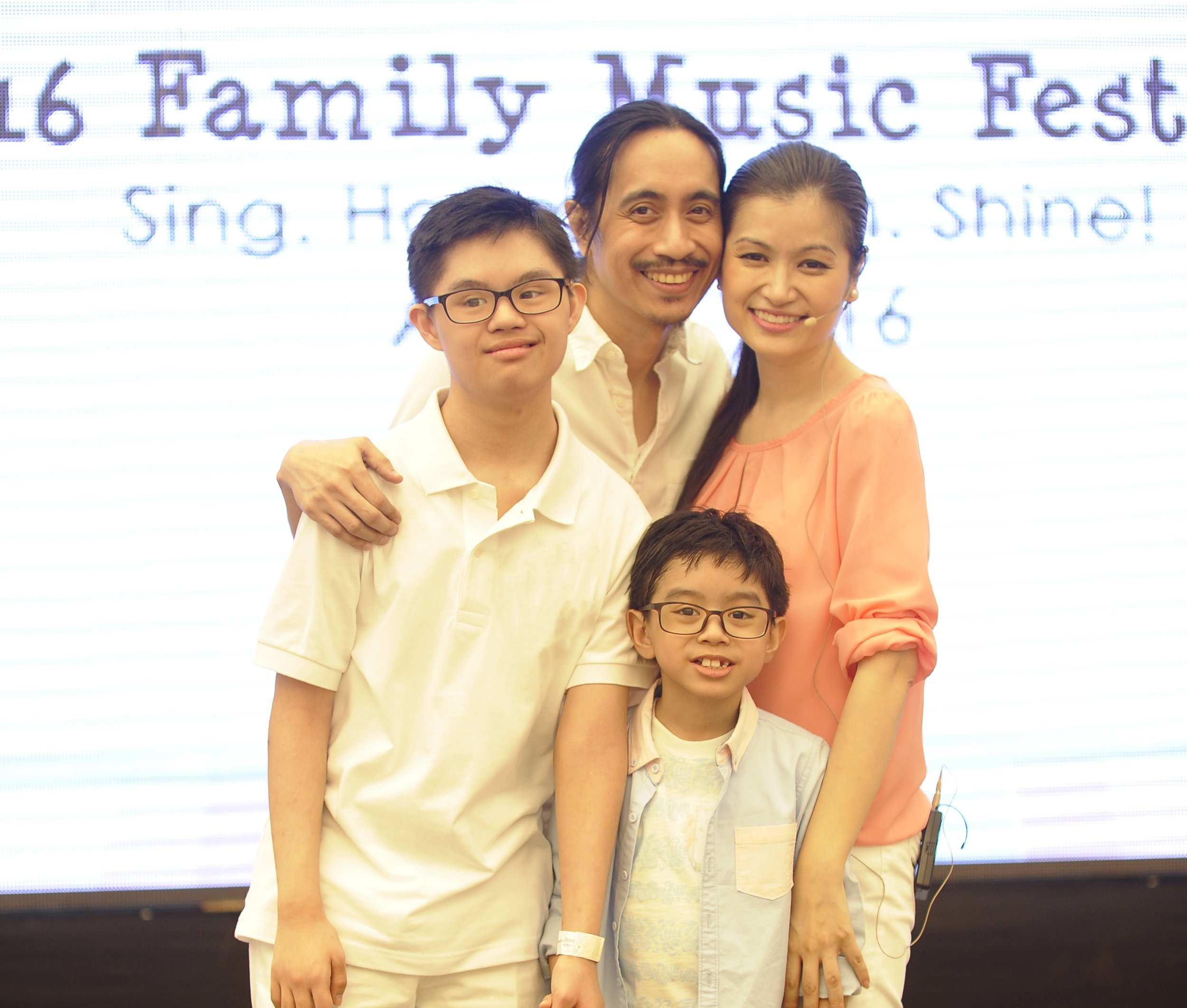 Jeannie-Castillo-Family-Picture2.jpg