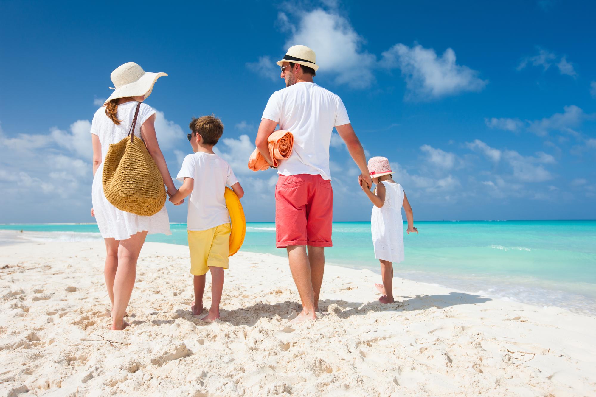 smart-family-travel-adventures.jpg