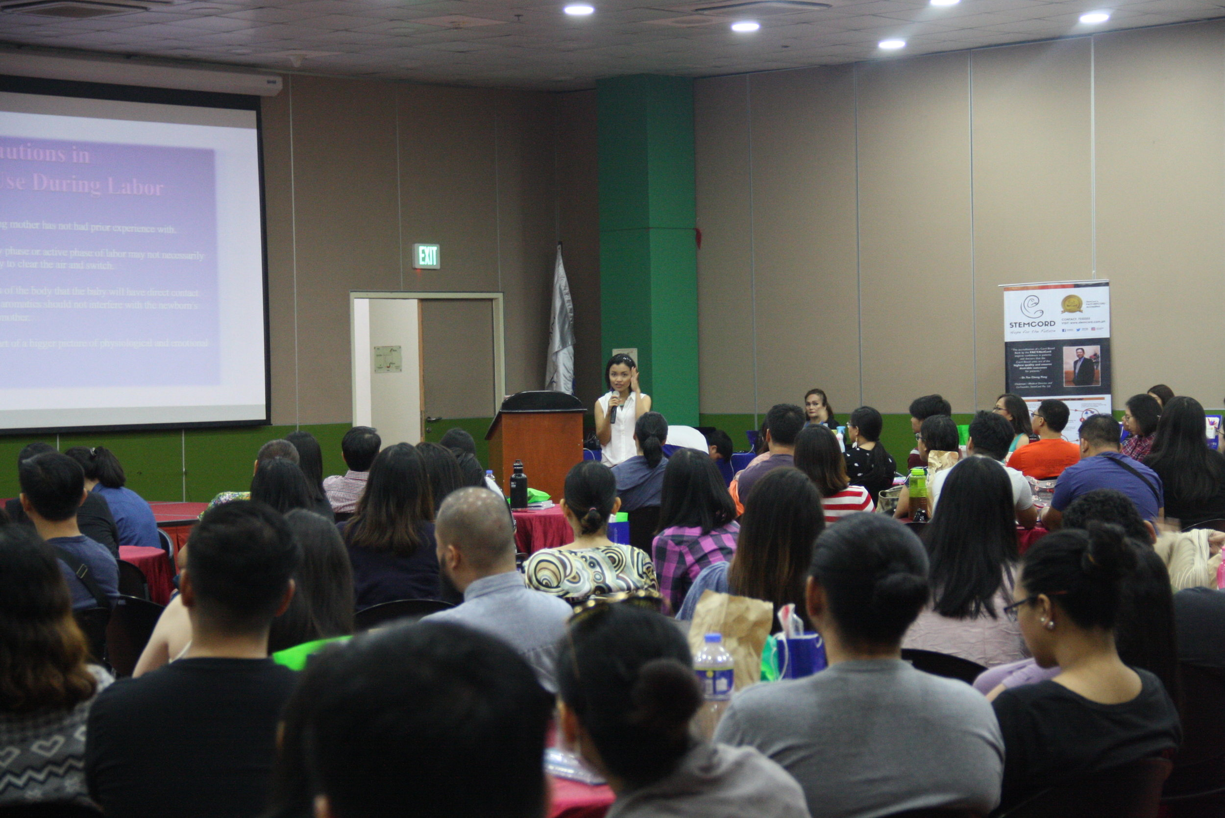 Noelle Pollack, Certified Breastfeeding Counselor and Fertility, Birth, and Postpartum Doula, discussing the benefits of water birthing in Makati Medical Center