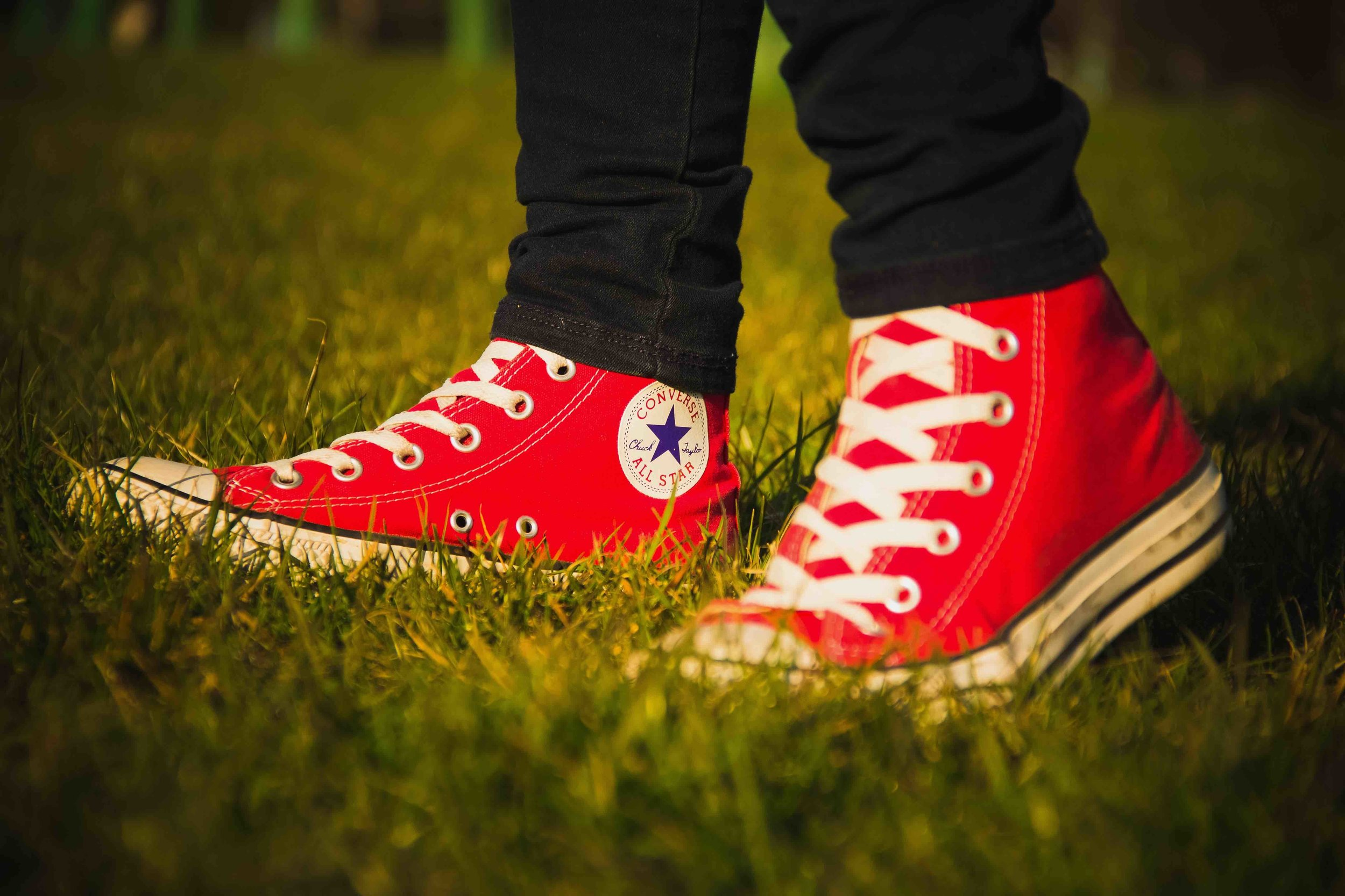 converse-all-star-logo-red-shoes.jpg