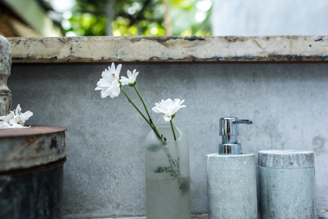 - After the long wait drain the petals and oil and place in a dark oil bottle and use as much as you wish daily. I love to use this in the morning on my skin and in the evenings I massage my scalp with the oil, it relaxes my mind and removes unwanted bacteria.Body Butter - This body butter you can create just as you wish, it is super soft, smooth and so nourishing.For this body butter you need the following ingredients, 1/2 cup of Shea butter, 1/8 cup of Jojoba oil and 1/2 a cup of Virgin coconut oil and 20 drops of an essential oil of your preferences. Personally I love the lavender because it is so soothing for my skin and mind, besides that Lavender essential oil is great against skin irritations and allergies, it promotes pure relaxation and acts against insomnia. I prefer to use this body butter before going to sleep just to give myself that extra attention.But there are plenty of other essential oils which mix very well with this body butter, for example grapefruit which is great against cellulite, and combined with Frankincense and Myrrh it acts great against stretch marks.You can also create a blend of Sandalwood, Frankincense and Lavender. This blend acts against wrinkles.