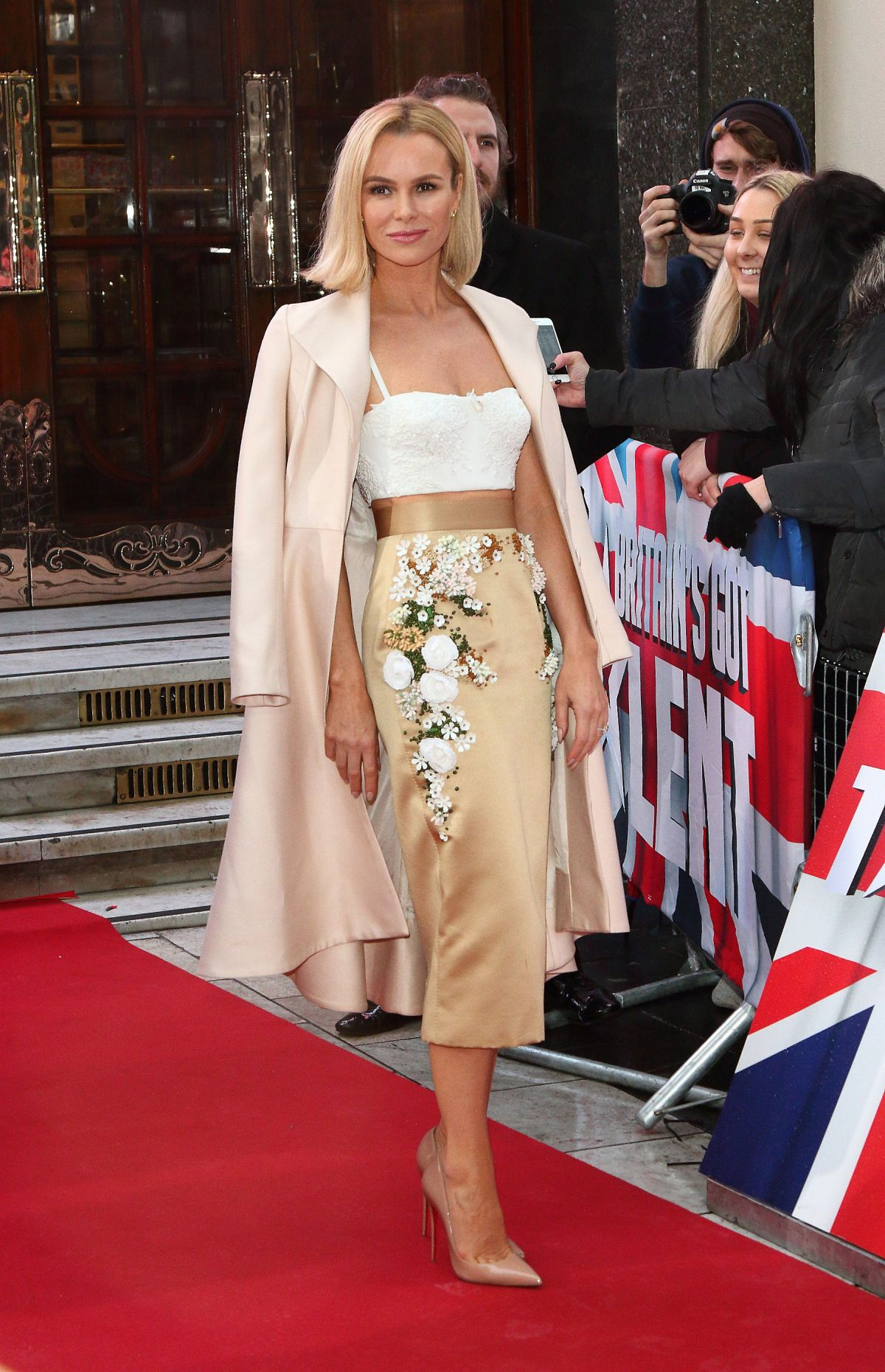 amanda-holden-at-britain-s-got-talent-photocall-in-london-01-29-2017_2.jpg
